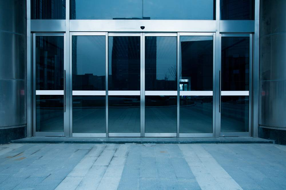 shutterstock_409359304 Commercial Glazing