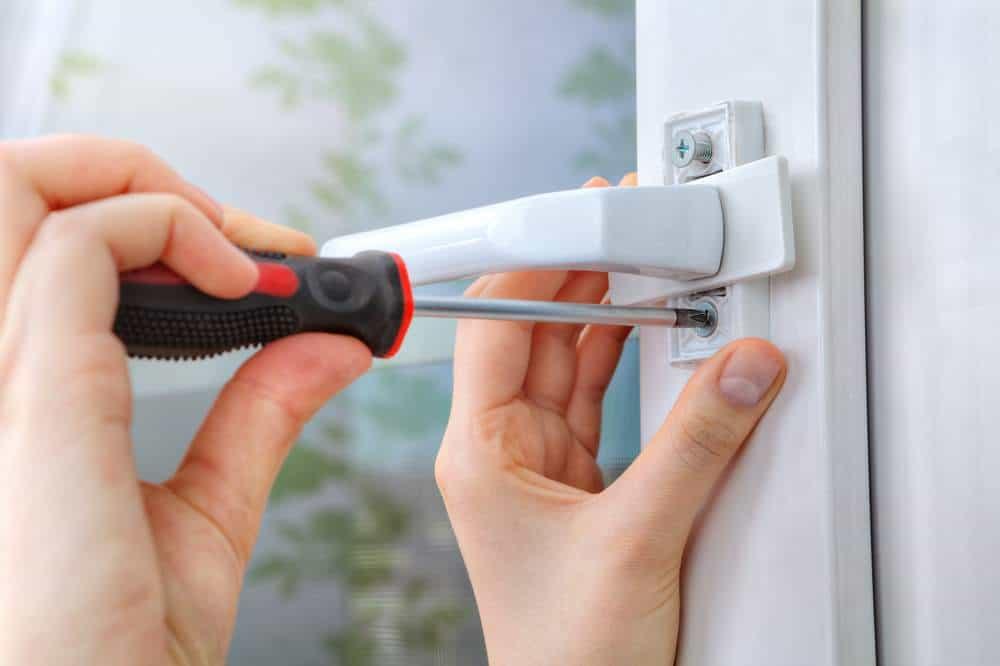 shutterstock_618100424 Windows & Door Handle Repairs